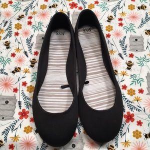 Women's Black Flats